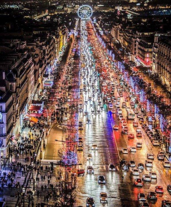 *Les Champs Elysées !!