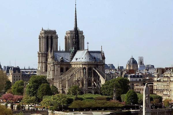 *Notre-Dame de Paris !!