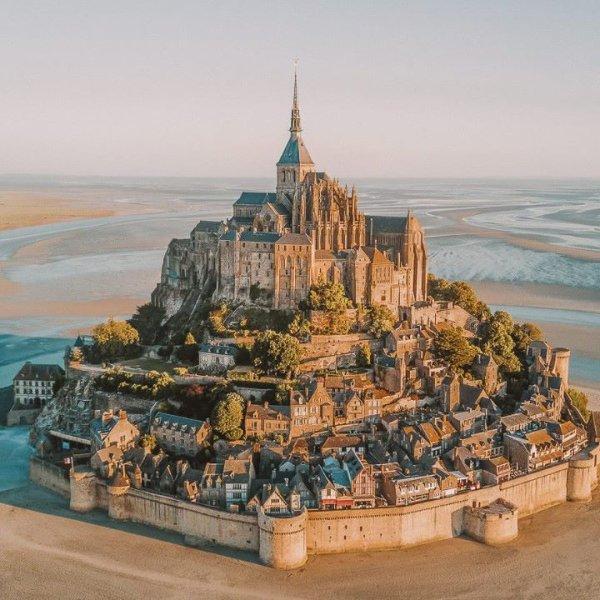 Superbe vue sur : Le mont Saint Michel !