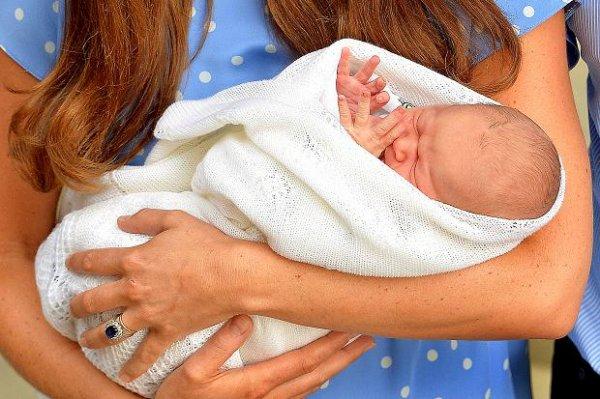 Kate & William nous présente leur fils !