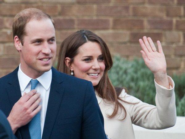 Royal Baby : Kate & William feront un voyage officielle avec leur fils ! Bientôt un baptême pour le petit George ?