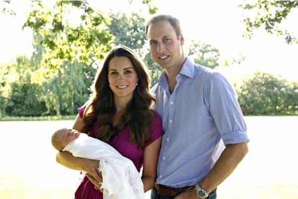 Les portraits officielles de Kate & William avec leur bébé !
