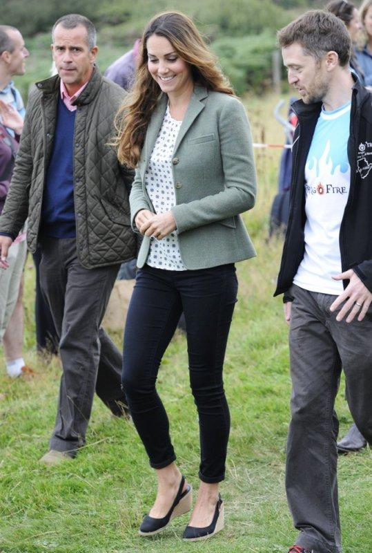 Première sortie  officielle de Kate depuis la naissance de Georges !