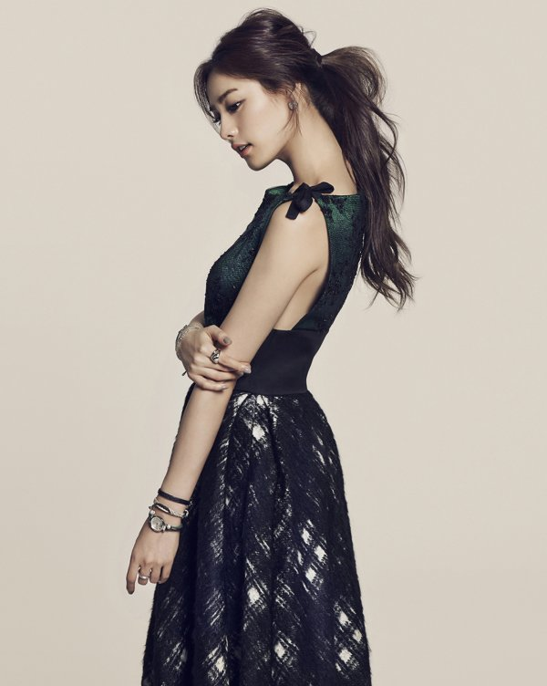 "사진   Im Jin Ah (Nana du groupe After School et Orange caramel pour ""Fossil"" (montre et sac à main) 임진아"