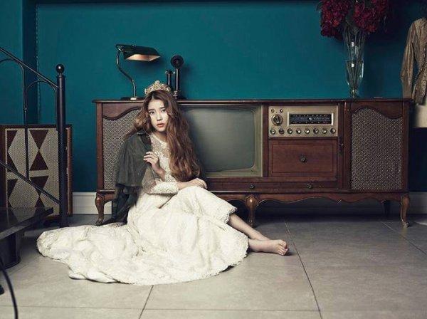 """사진   La chanteuse IU (Lee Ji Eun)  pour le magasine """"Céci""""   Une demande de Ilive-forthem   이지은"""