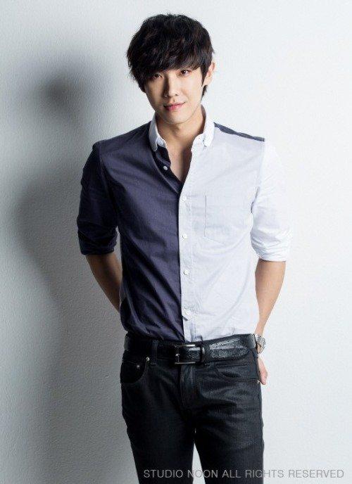 """사진    L'acteur et ancien membre du groupe MBLAQ,   Lee Joon  pose pour le magazine """"Hanryu Pia vol.2 """" (photoshoot, 2014)    이창선   Une demande de ILive-ForThem"""