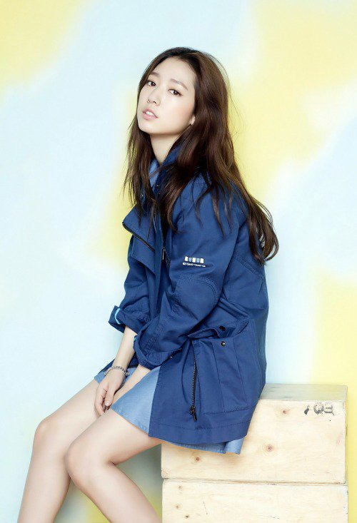사진   L'actrice Park Shin Hye pour la marque de vêtement Viki    박신혜