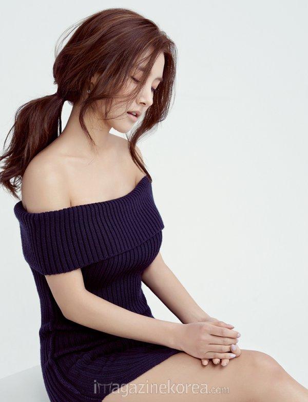 """사진  L'actrice et mannequin Kim So Eun pour  """"Esquire """"  김소은"""