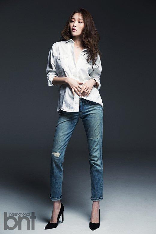 """사진  L'actrice Lee Sung Kyung (et mannequin) pour """"BNT International"""" (Février 2015)    이성경"""