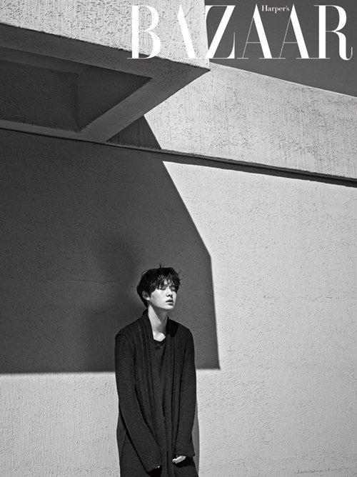 사진   L'acteur et mannequin Ahn Jae Hyun pose pour  Harper's Bazaar - Novembre 2014     Une demande de xLastRomeo  안재현