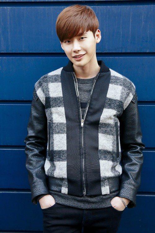 사진  L'acteur  Lee Jong Suk    pour  Korean Media interview    이종석