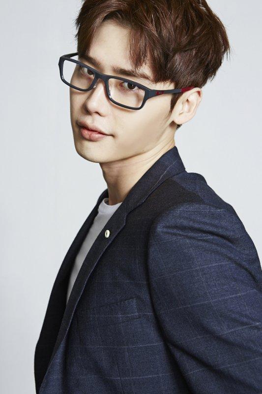 사진  L'acteur  Lee Jong Suk    pour  Oakley 2015    이종석