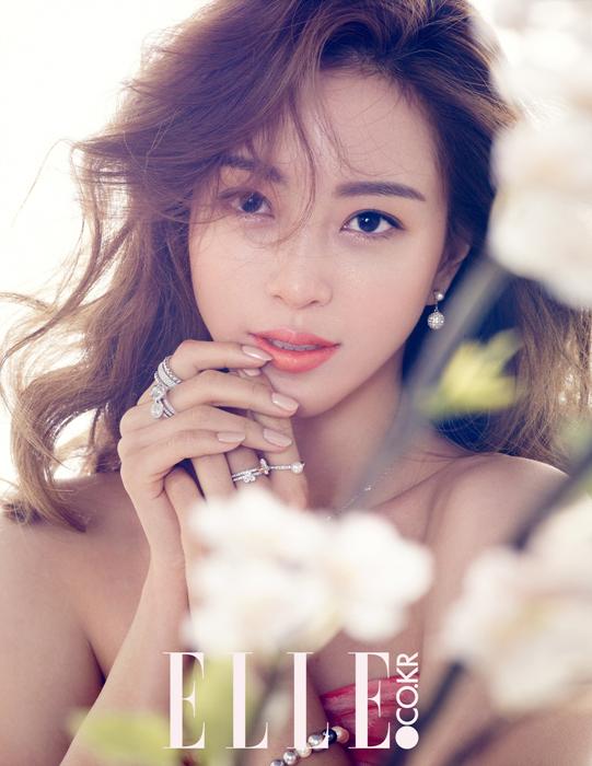 사진   L'actrice Han Ye Seul  pour ELLE  - Mars 2015