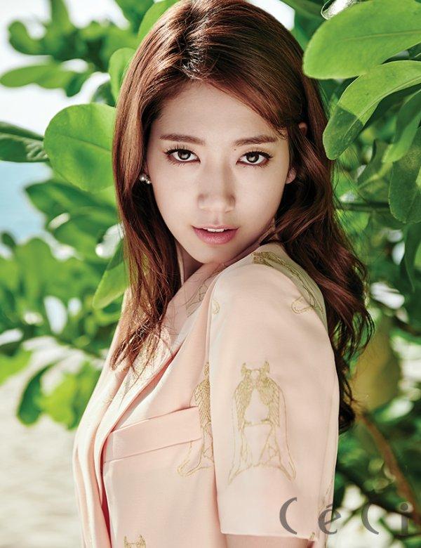 사진   L'actrice Park Shin Hye pour CéCi  (Mars 2015)   박신혜