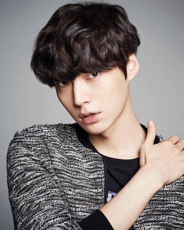 Ahn Jae hyun pour Handu