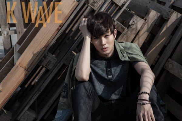 사진   L'acteur  Choi Woo Shik   pose pour   KWave, Mars 2015       최우식