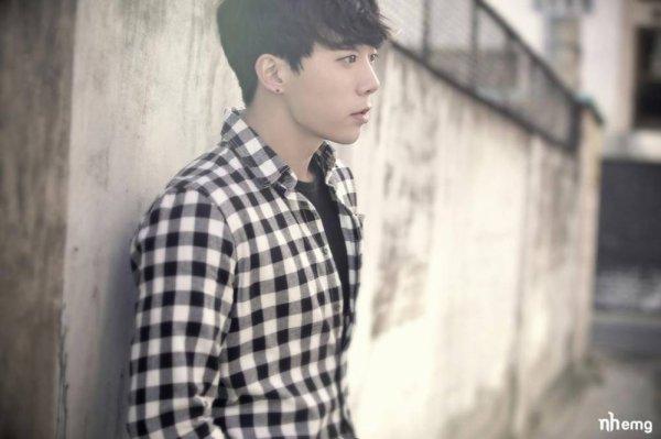 사진    Yeo Hoon Min , membre du groupe U-Kiss pose pour le concept  Always et  Mono Scandal  + moments      Une demande de  Hoon-J
