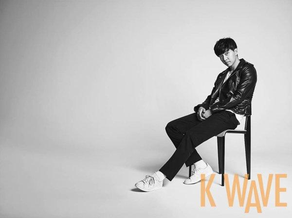 사진  L'acteur  Lee Seunggi   pose pour K Wave Juin 2015  이승기