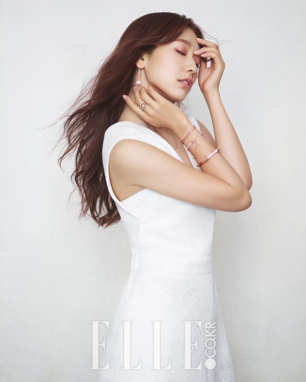 Park Shin Hye pour ELLE Korea, septembre 2016