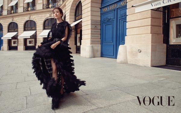 L'actrice Han Jimin  dans Vogue orea, édition juillet 2018