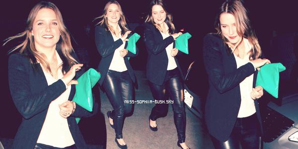 Le 26 Avril 2012, Sophia sortant du Chateau Marmont.