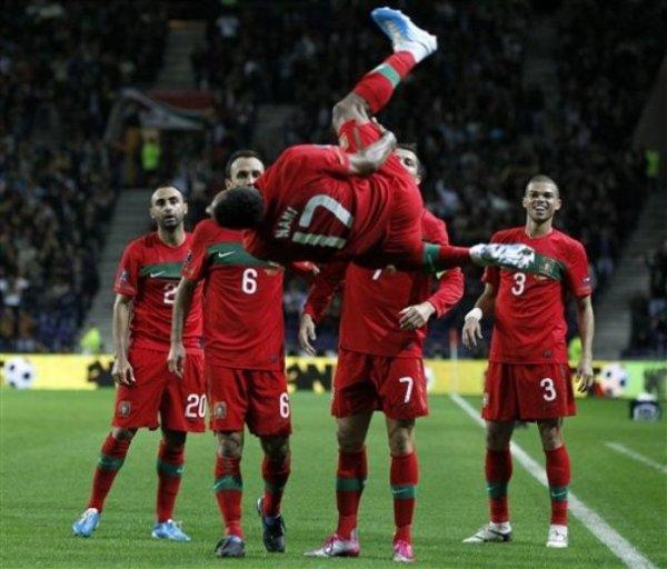 Portugal 3-1 Danemark : L'électrochoc Paulo Bento a eu lieu emmené par un duo CR7 / Nani EXCEPTIONNEL !