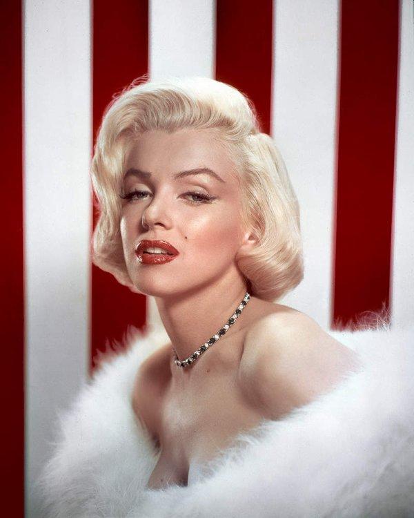 Marilyn MONROE née le 1er Juin 1926, décédée dans la nuit du 4 au 5 Août 1962.