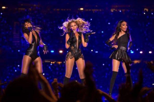 Le show de Beyoncé pendant la mi-tant ( Un show non-playback )