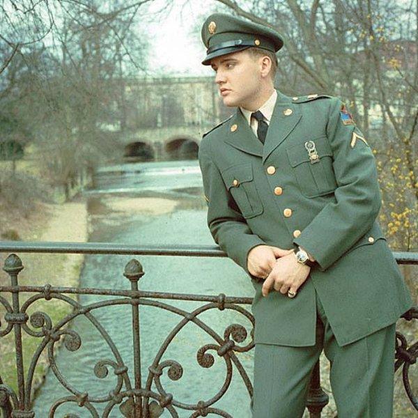 elvis presley (service militaire )