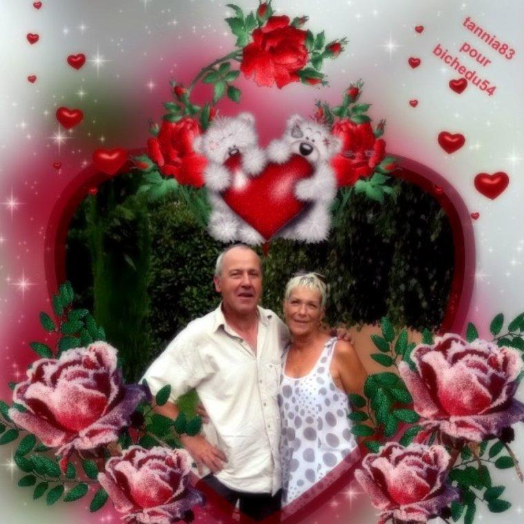 CADEAUX POUR MA BICHE QUI N EST PAS EN GRANDE FORME EN CE MOMENT GROSSE BIZZZZ MA BICHETTE TANNIA  !!!!!! MERCI MA PUCE POUR TES SUPERBES CREATIONS GROS BISOUS BICHEDU54