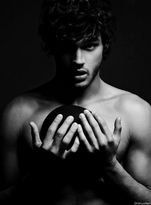 Marlon Teixeira.