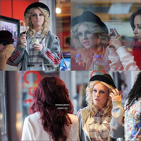 . Le 22 Juin 2012 ▬▬ Des photos des filles se promenant dans Londres viennent d'apparaître. .