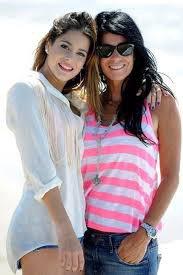 Martina Stoessel et sa mère