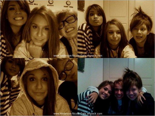 2011 // Découvrez des nouvelles photos personnelles de Nicole  Vous aimez ? :)