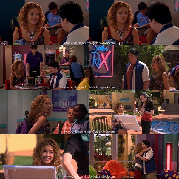 """18.10.2011 // Nicole nous montre un peu plus en arborant sa nouvelle coupe de cheveux à la première de la série """" Aim High """" en compagnie de Cassie Scerbo : sa partenaire dans """" Make It Or Break It """" et je vous propose aussi une interview réalisée lors de cet évènement où Nicole nous confirme qu' elle reprendra bien le rôle de Kelly Parker dans la troisième saison de """" Make It Or Break It """" ( Voir vidéo ? )  Je le trouve super belle, j' aime beaucoup sa nouvelle coupe sa lui va super bien :) Et vous qu' en pensez- vous ?"""
