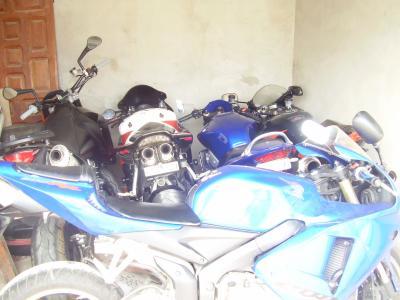 un garage de reve la moto l amis moi. Black Bedroom Furniture Sets. Home Design Ideas