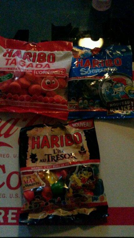 Merci bravoloto. voilà les bonbons qu'on a gagné. Hummm!