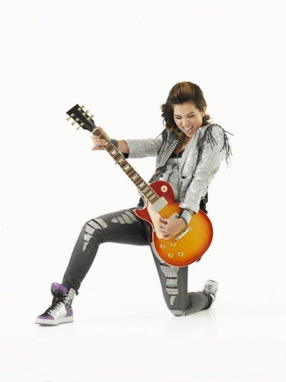 Hayley Kiyoko (qui joue le rôle de Stella Yamada)