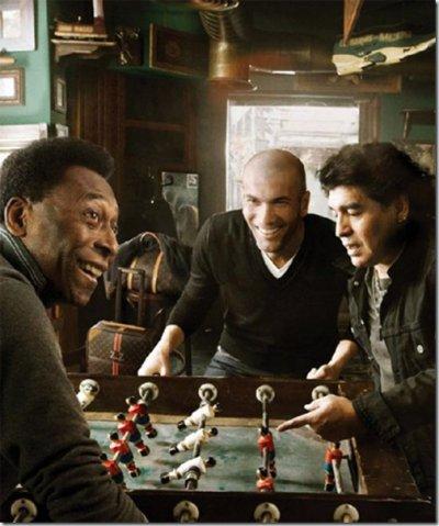 Zidane , Maradona et Pelé . Louis Vitton