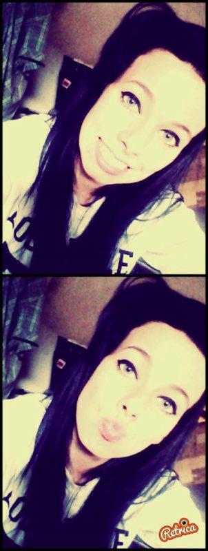 Aime-moi ou déteste-moi .., les deux sont en ma faveur.. Si tu m'aime, je serai dans ton c½ur. Si tu me déteste, je serai toujours dans ta tête.