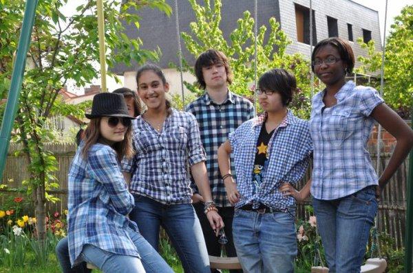 Le gang des chemises bleues :p