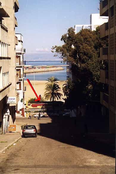 DF-100 à Tanger devant la plage