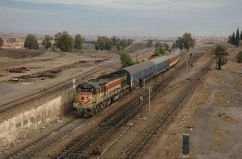 DH 371 Oujda-Casablanca entre à la gare d'Oujda