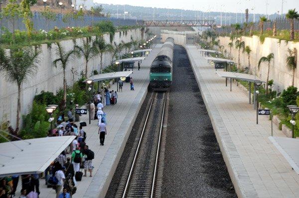DF 100 à la gare de Nador-Ville