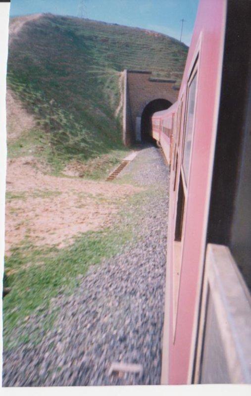 Ligne Oujda-Fes/Tunnel entre Taza et Mçoun.1991/03 /11