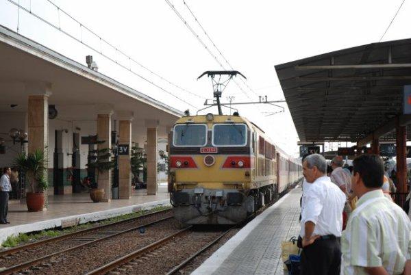 E 1256 à Casablanca-Voyageurs pour Marrakech