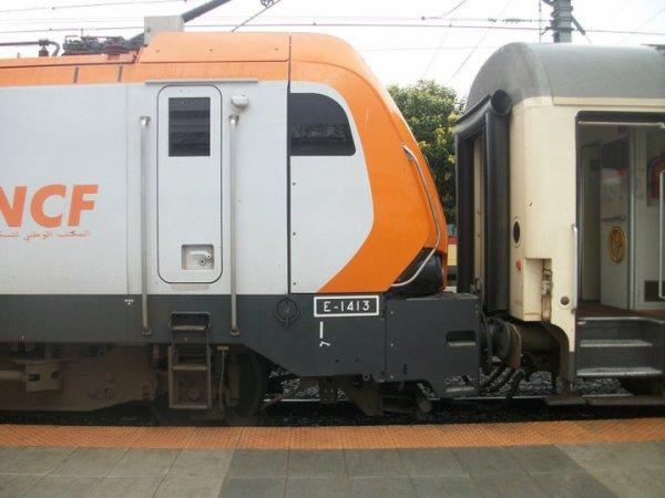 E 1413 ( avec les nouveaux Corails ) + E 1307 + DH 373 à Fes