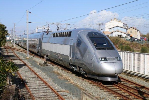 TGV-M001 de l'ONCF aux usines d'Alstom