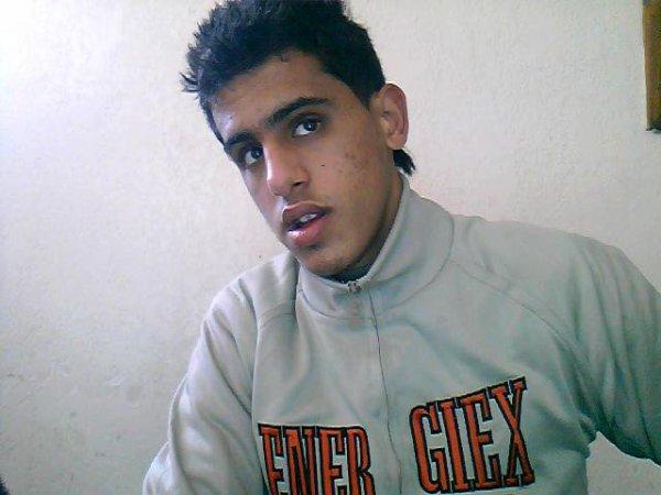 Ayoub--Ilyass  fête ses 26 ans demain, pense à lui offrir un cadeau.Aujourd'hui à 20:21