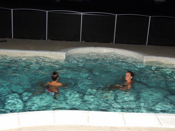Chaud cette année la Bretagne; même droit à un bain de minuit.